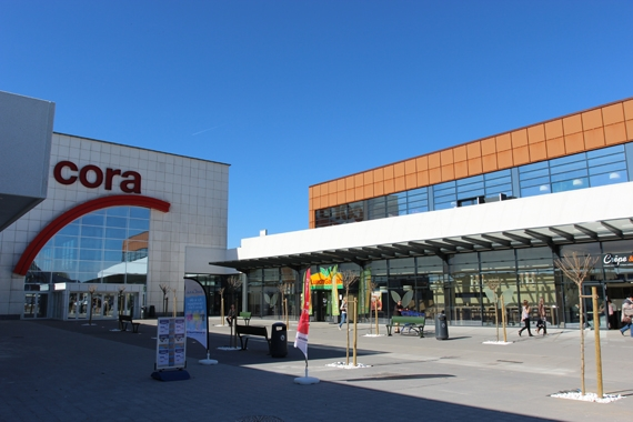 Extension centre commercial cora rocourt pierre for Piscine cora 2017